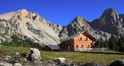 alpine-hut-natur-park-fanes
